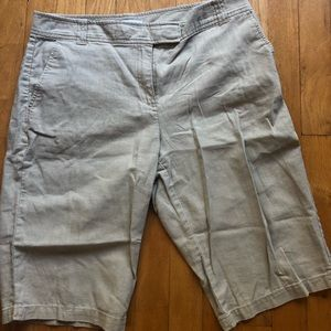 Adorable tan linen shorts from New York & company